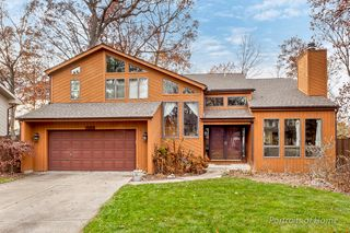 8424 Shagbark Ct, Woodridge, IL