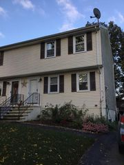 28 Glen Meadow Rd, Haverhill, MA