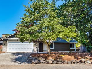 12143 SE Grove Loop, Milwaukie, OR