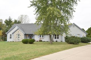 5411 W Woodland Dr, Brown Deer, WI