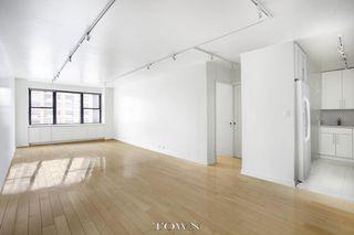 301 East 62nd Street #7K, New York NY