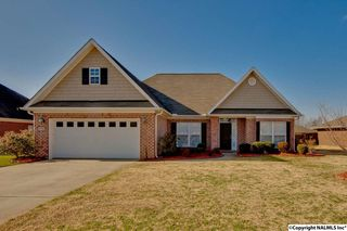 15701 Coach House Ct NW, Harvest, AL