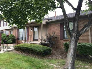 31170 Country Blf, Farmington Hills, MI
