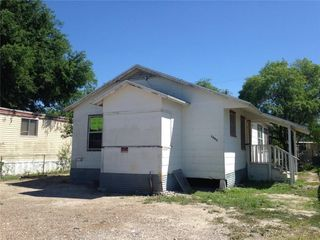 1003 Johnson St, Freer, TX