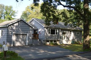26 Breakneck Hill Rd, Southborough, MA