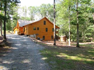 135 Farmer Cir, Mineral Bluff, GA
