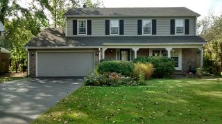 25 W Stone Ave, Lake Forest, IL