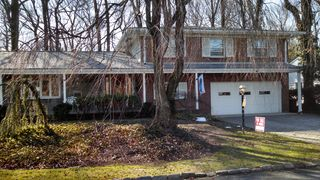 6 Taylor Dr, New Brunswick, NJ