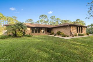 1621 Henley Rd NW, Melbourne, FL