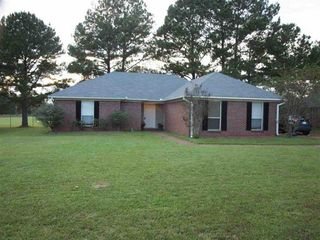 653 Southern Oaks Dr, Florence, MS