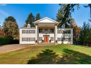 1505 Country Club Rd, Lake Oswego, OR