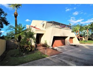 1 Casarena Ct, Winter Haven, FL