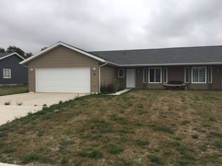 8 Meadow Ln, Stanley, ND