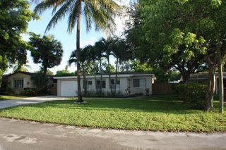 715 SW 18th Ct, Fort Lauderdale, FL
