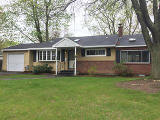 64 Red Fox Dr, Colonie, NY