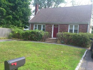 8 Chichester Rd, Huntington Station, NY