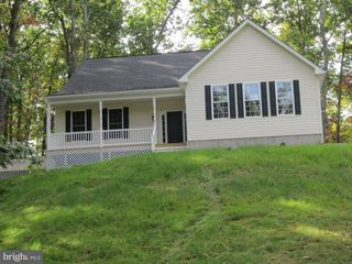 140 Conns East Dr, Winchester, VA