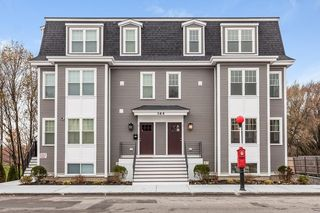 364-366 Neponset Ave #3, Boston, MA