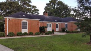1305 E Fairway Dr, Gulf Shores, AL