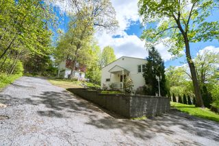 398 E Main St, Jefferson Valley, NY