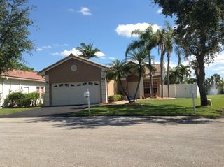 12425 SW 7th Pl, Davie, FL