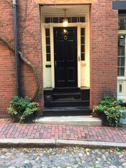 1 Acorn St #A, Boston, MA