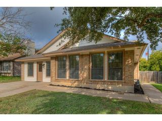 818 Clearwater Trl, Round Rock, TX