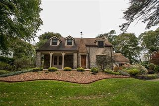 25 Clover Hills Dr, Rochester, NY