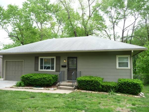 8133 Walmer St For Rent