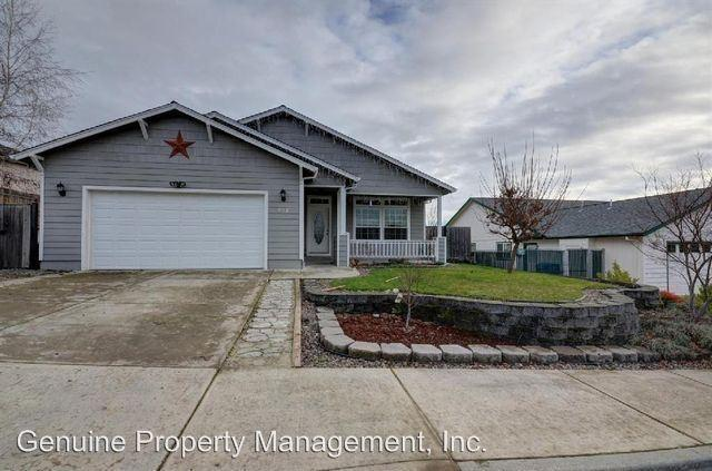 917 Ridgeview Dr, Eagle Point, OR 97524