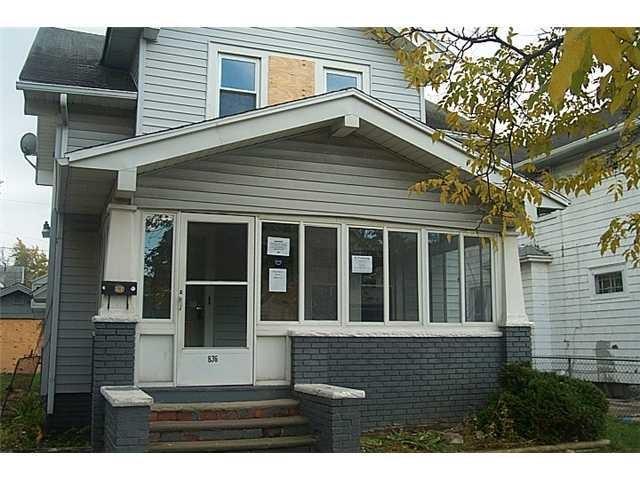 836 Woodward Ave