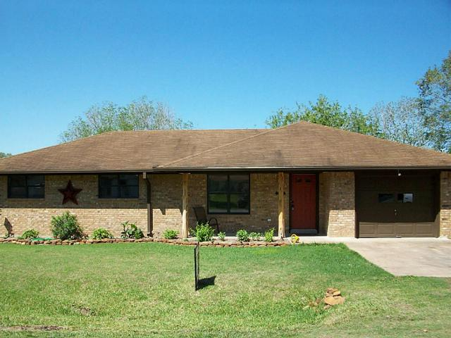 808 North Arnim, Moulton TX