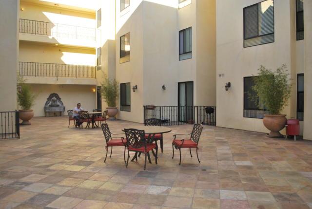 6938 Laurel Canyon Blvd 104 , North Hollywood CA