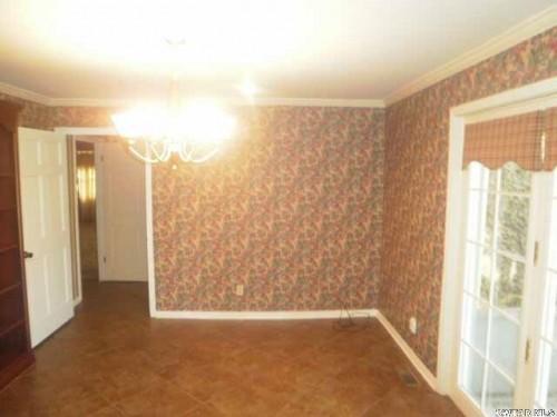 Who lives at 108 Heatherwood Dr, Jackson TN | Rehold
