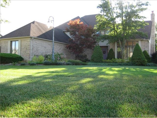 Who lives at 6765 Pine Way Dr, Troy MI | Rehold