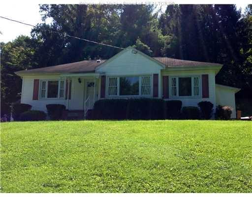 670 Lakewood Dr , Charleston WV
