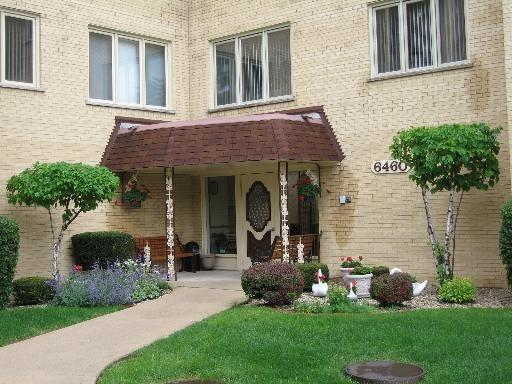 6460 W Belle Plaine Ave #301