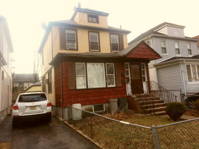 8732 254th St , Queens NY