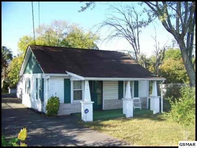 11215 Chapman Hwy, Seymour, TN 37865 - 1 Bath Single-Family