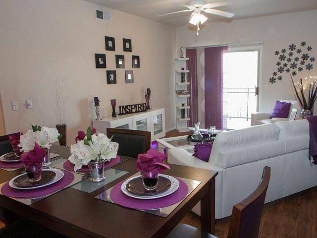 Who lives at 5210 Hampton Ave, Mesa AZ | Homemetry