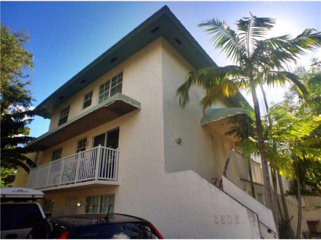 3203 Mary St , Coconut Grove FL
