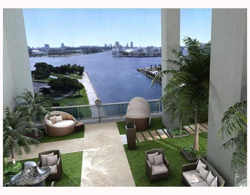 900 Biscayne Blvd 2207 , Miami FL