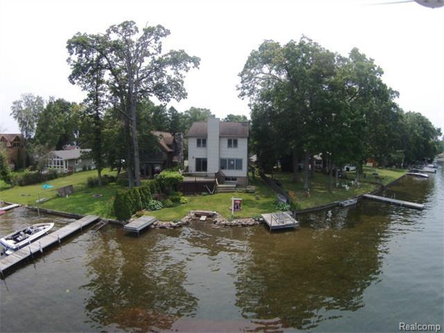 63 N Hulbert St. White Lake a19766bec6c