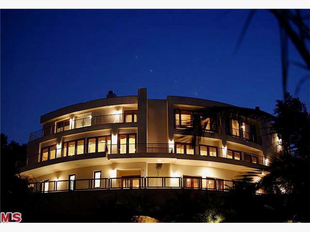 5077 Schumacher Road, Calabasas CA