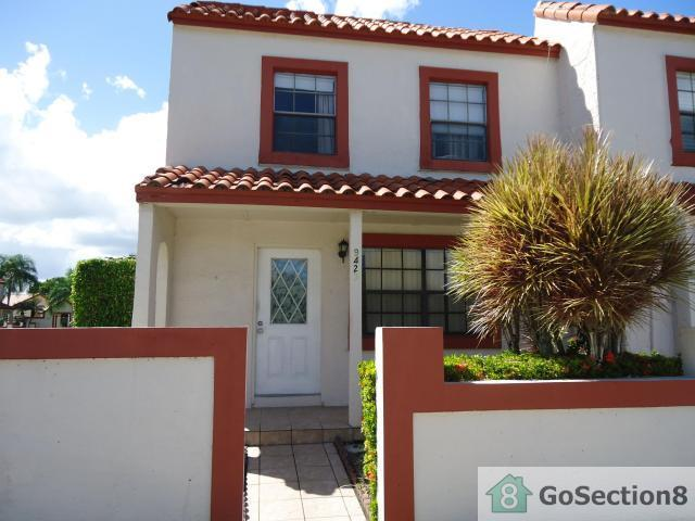 9429 NW 42nd St, Sunrise, FL 33351 - 3 Bed, 2 Bath Townhouse | Trulia