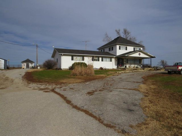 1595 17th Rd, Washington, KS 66968
