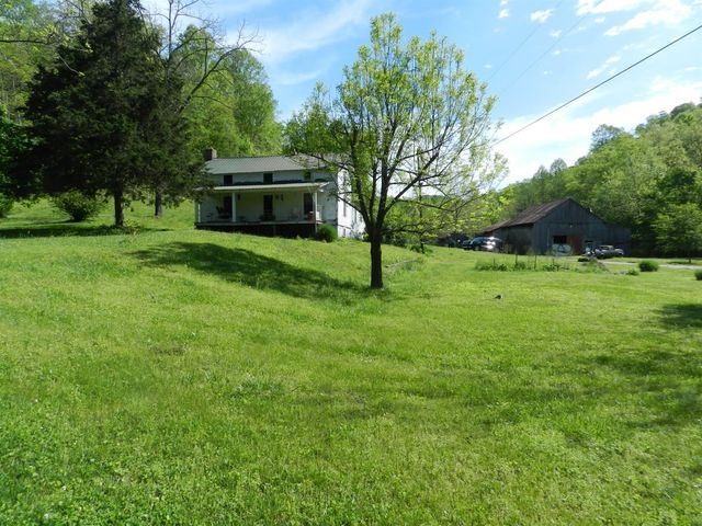 579 Wade Branch Rd, Waterview, KY 42717