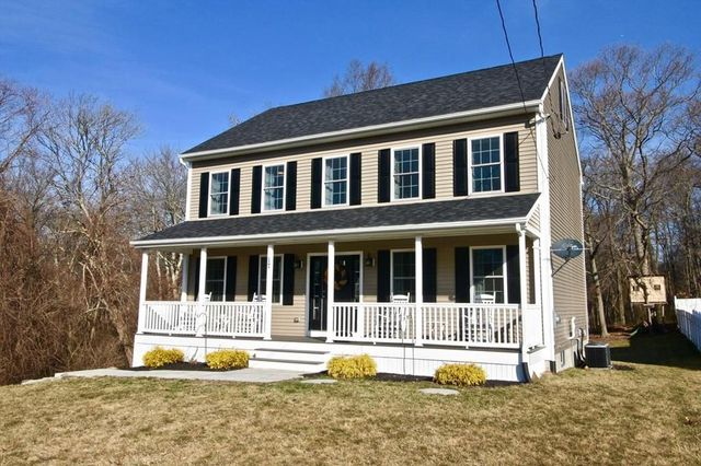 17 42nd St, Berkley, MA 02779