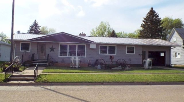111 6th Ave, Fessenden, ND 58438-7243