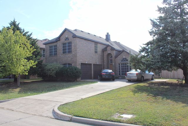 206 Country Meadow Ct, Midlothian TX  76063-8534 exterior